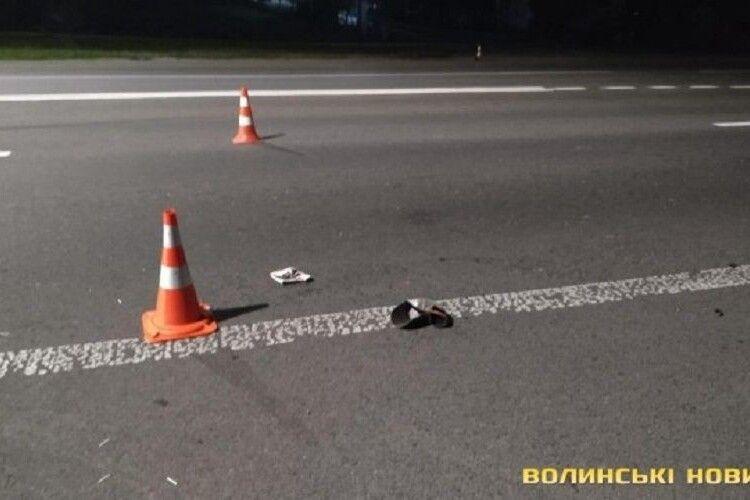 На в'їзді в Луцьк на переході бус на смерть збив 54-річного чоловіка (Фото)