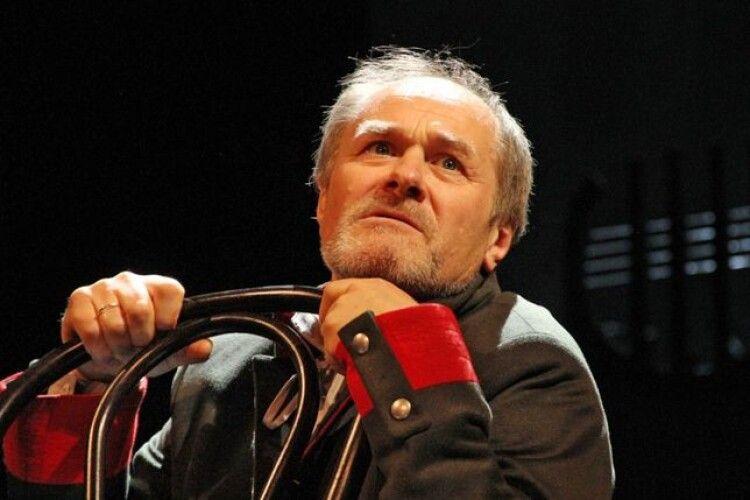 Всенародний улюбленець, актор Петро Панчук співатиме пісню про свого земляка Степана Кривенького