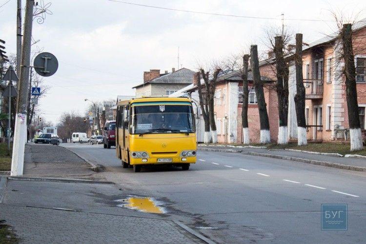 Під тиском прокуратури Нововолинськ відмовився від платного перевезення  дітей з багатодітних сімей