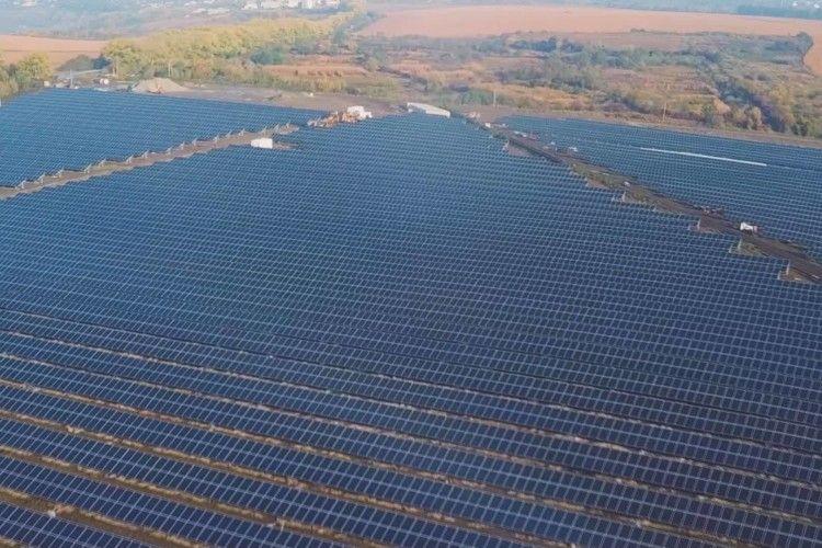 В Україні відкрили другу найпотужнішу сонячну електростанцію