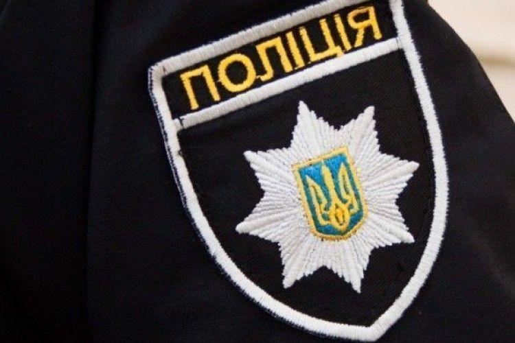 Волинські поліцейські викрили інтернет-шахрая, який «торгував» мотоциклами