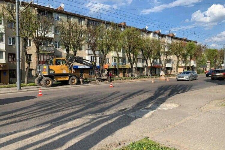 У Луцьку почали реконструкцію проспекту Волі: перекриють одну смугу руху
