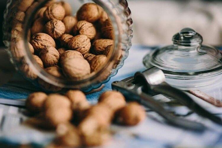 Як краще зберігати горіхи