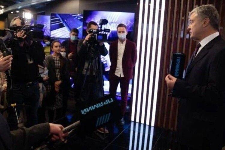 Порошенко подякував послам Великої Сімки за захист «Прямого» каналу від переслідувань