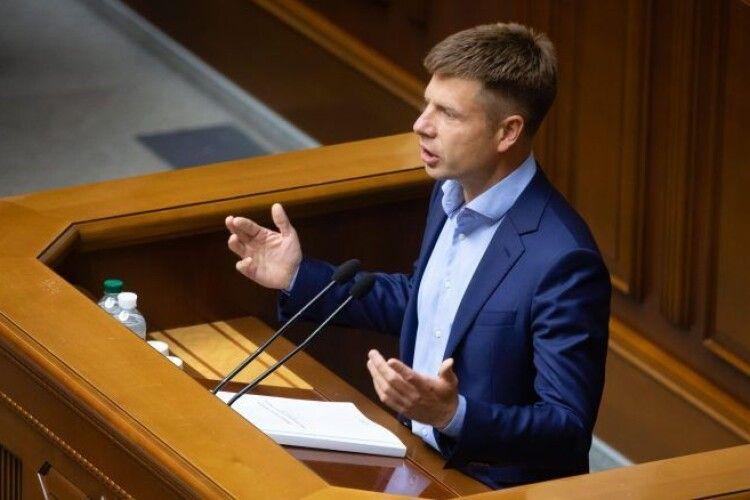 Гончаренко в Раді жорстко розкритикував Зеленського: що вам заважало у 2014 році взяти зброю і захищати Україну?