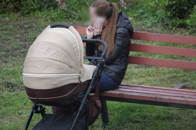 Як волинянка продавала дитячу коляску… шахраям