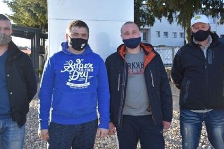 Троє українських заробітчан врятували в лісі молодого поляка від самогубства