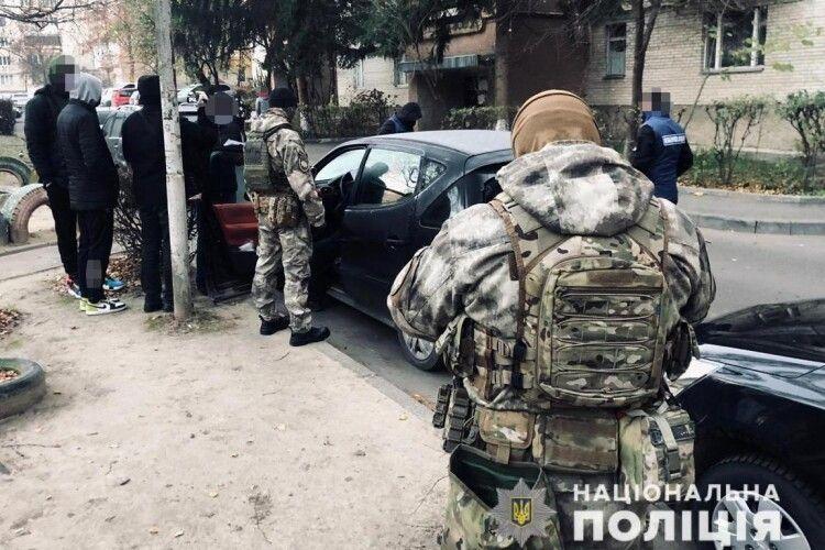 Небайдужі лучани здали поліції підпільний гральний заклад (Фото)