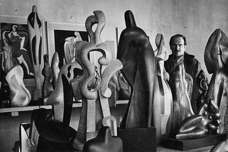 У Луцьку виставили твори митця, який перевернув світові уявлення про скульптуру