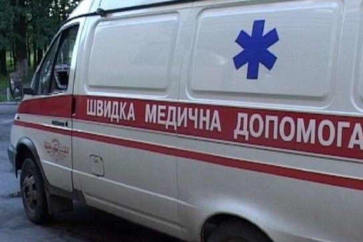 Бив трубою: у Нововолинську 70-річний чоловік травмував доньку