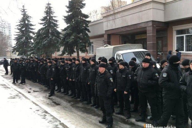 Учора київські спецпризначенці влаштували «мовчазний протест» під судом (Відео)