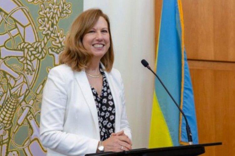 «Маріонетки Росії до цього часу сидять у Верховній Раді», – керівниця посольства США