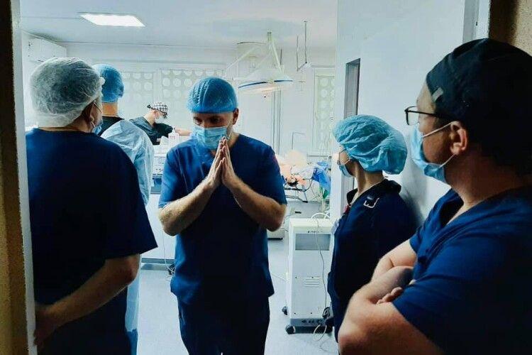 Брат–лікар дав згоду на забір серця, печінки, нирки: волинянин здійснив чергову трансплантацію (Фото 18+)