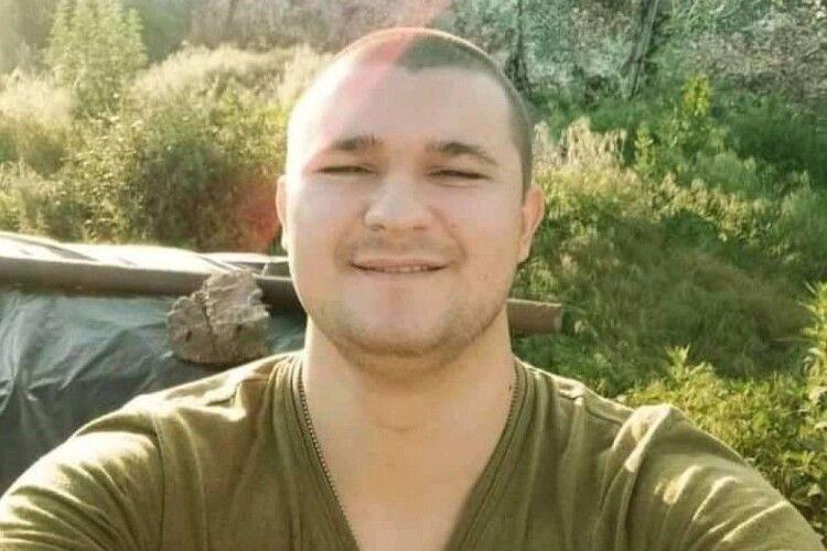 25-річного воїна АТО порізали серед ночі біля магазину: він помер у лікарні