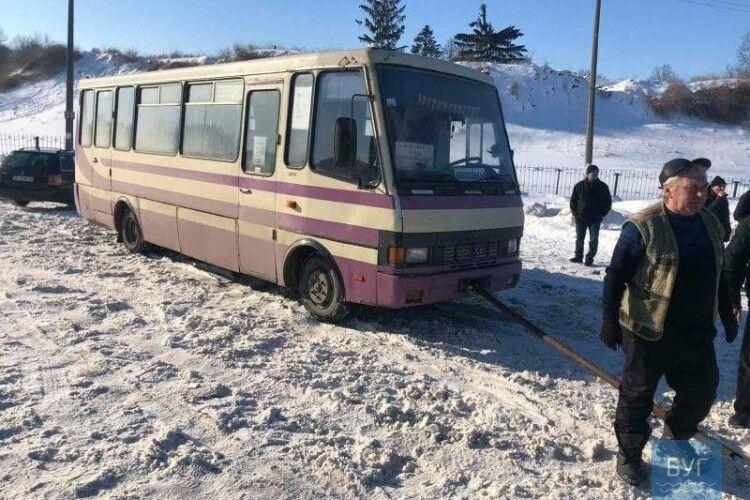 На Волині застряг рейсовий автобус з пасажирами
