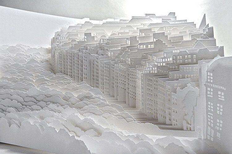 «Будує» міста... з паперу
