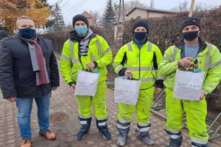 Посиніла і не дихала: у Польщі українці врятували дитину від смерті