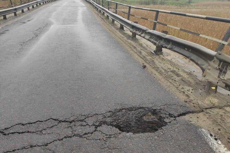 В Укравтодорі запевнили, що швидко відбудують міст, який обвалився на дорозі Луцьк-Львів