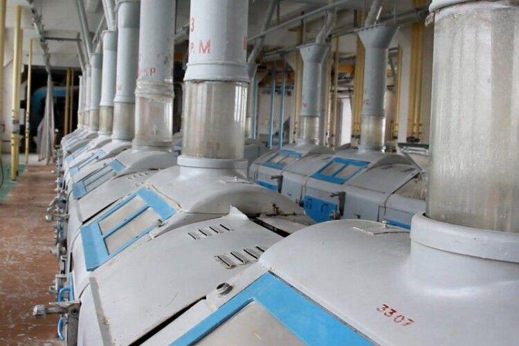 Луцький хлібокомбінат відновив роботу: працівникам почали виплачувати борги  (Відео)