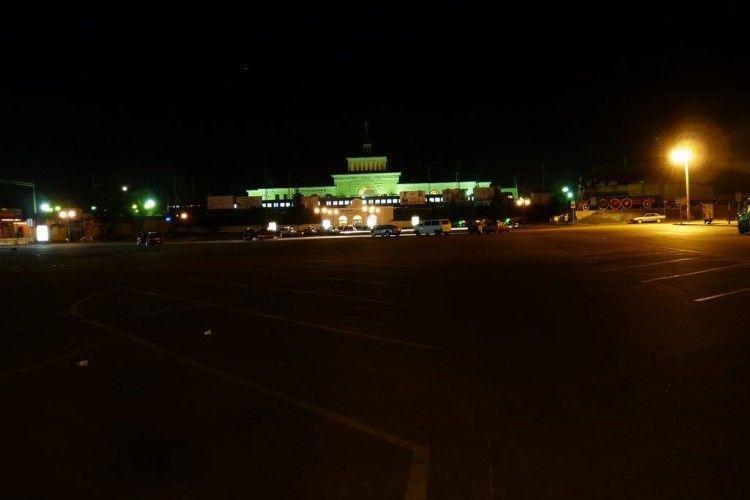 Вночі на ковельському вокзалі побили і пограбували чоловіка
