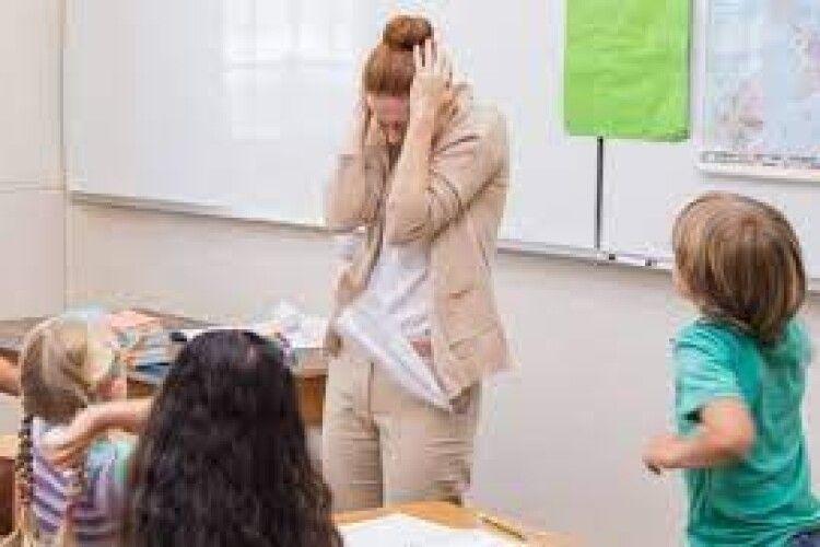 В Україні хочуть ввести 5100 гривень штрафу за образу вчителя