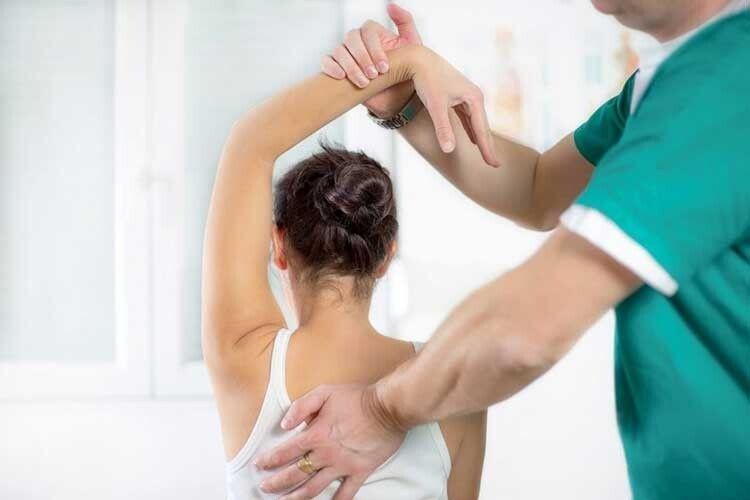 Справитися знедугами… легким дотиком рук. Або хто такі остеопати