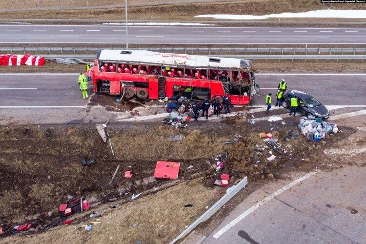 ДТП з автобусом у Польщі: водія звинувачують у ненавмисному доведенні до катастрофи