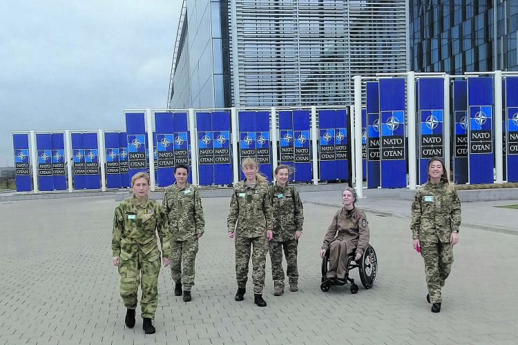 У штаб-квартирі НАТО українкам аплодували стоячи