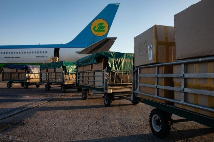 Порошенко повідомив, що ще 20 кисневих концентраторів виробництва США доставлені в Україну (Фото)