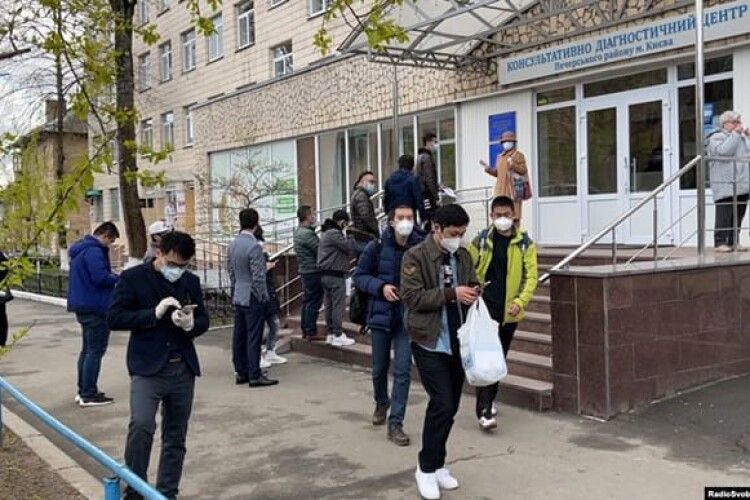 В Одесі від коронавірусу вакцинували тисячу... китайців