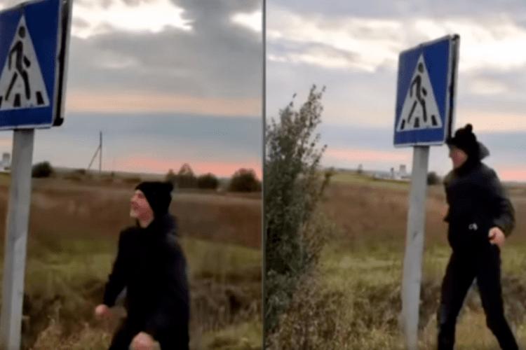 На Рівненщині хлопець бився головою об дорожній знак (Відео моменту)