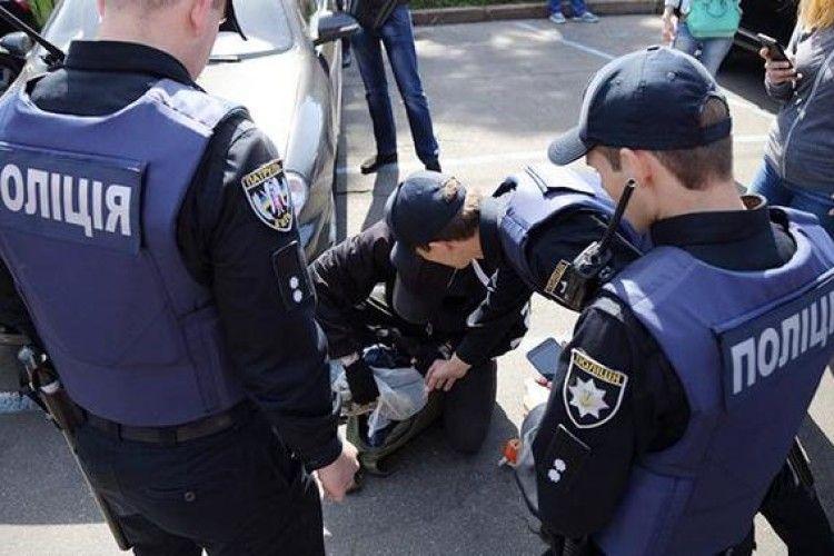 Сина відомого нардепа заарештували за шахрайство