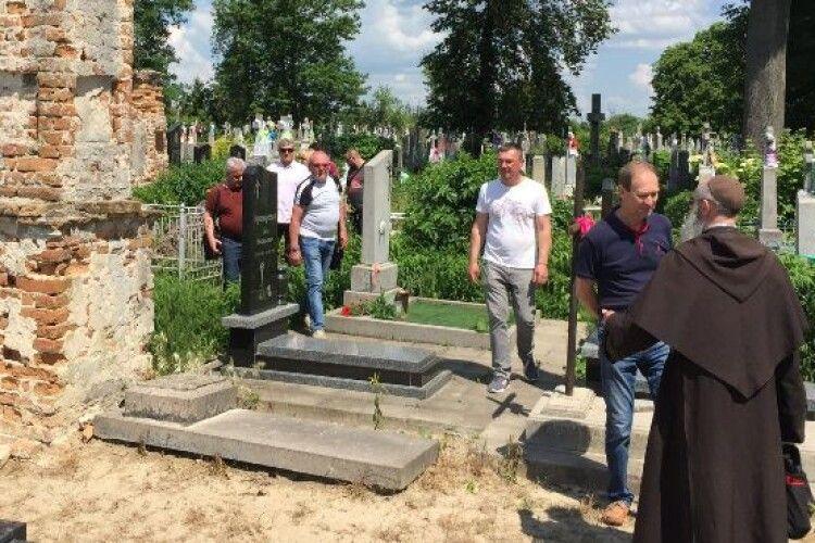 Поляки реставруватимуть Лодомирське кладовище у Володимирі?