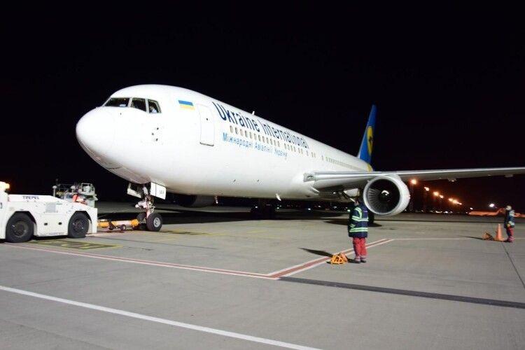 «Бориспіль» прийняв два авіарейси – з Амстердама та Афін
