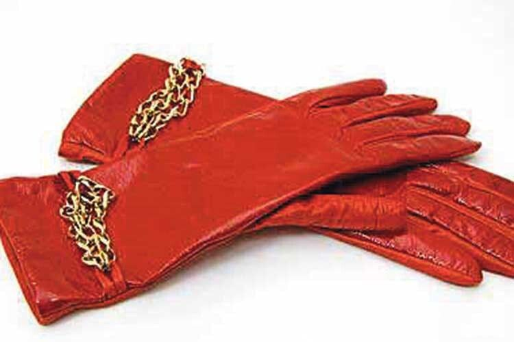 Замшеві рукавички можна прати вдомашніх умовах