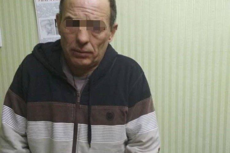 У Харкові рецидивіст зайшов до аптеки і зґвалтував провізорку