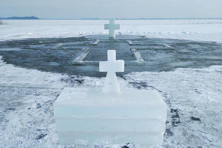 На озері Світязь підготували ополонку для освячення води (Фото)