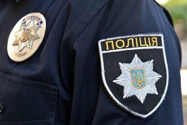 Голові однієї з сільрад повідомили про підозру щодо перевезення більш як 30 кг бурштину