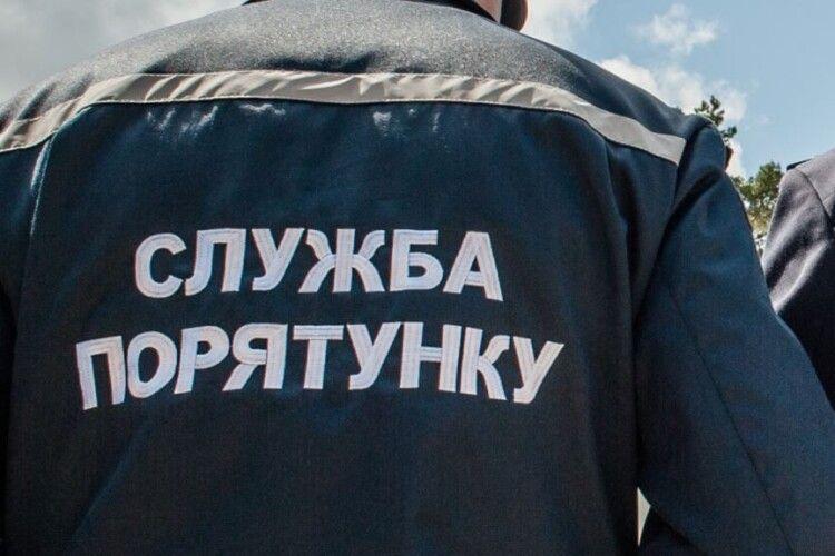 Українці із зайвою вагою знадобилася допомога рятувальників