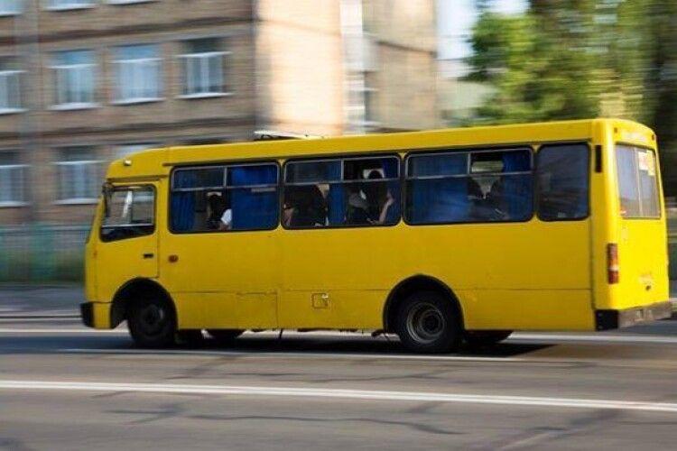 З 11 грудня у громадському транспорті Луцька можна буде розрахуватися лише електронним квитком