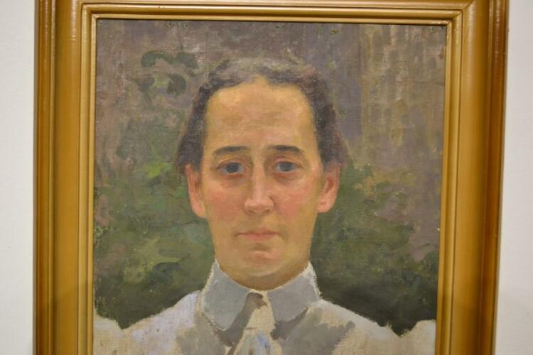 Портрет дружини у біло-сірій блузі. 1920-і.