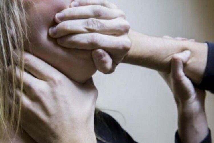 Волинянин зґвалтував свою знайому у її ж будинку, йому винесли вирок