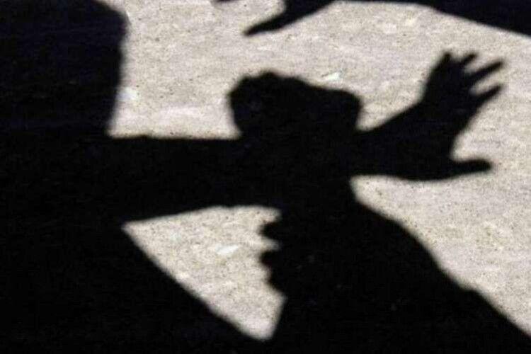 На Рівненщині 14-річний хлопець врятував односельчанку від нападника