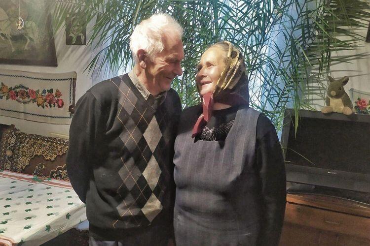 Закохана бабуся з Волині: «Не слухай нікого. Побут почуття не вбиває. І щастя не в грошах…»