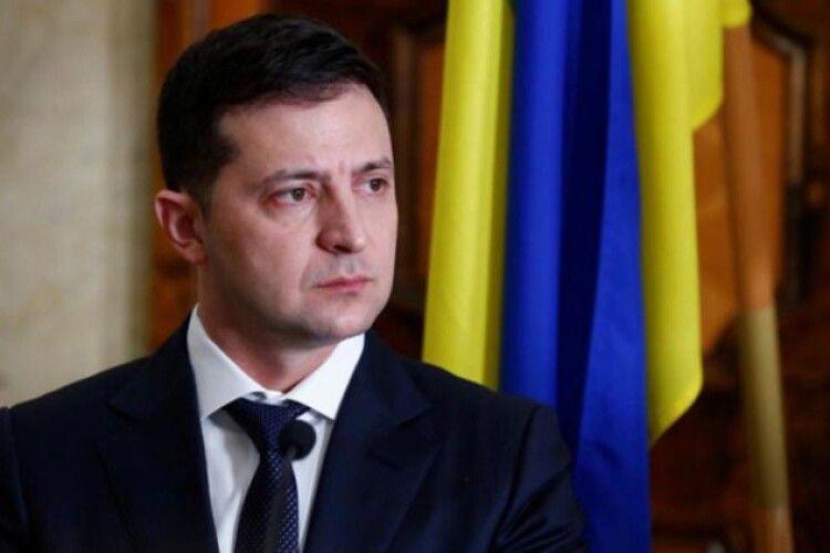 Зеленський пояснив, що наполіг на рішенні про доплати до пенсій родинам загиблих на Донбасі після зустрічі у Луцьку