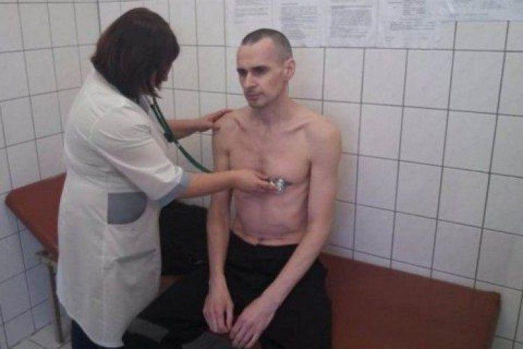 У РФ повідомили про виписку Сенцова з медчастини колонії