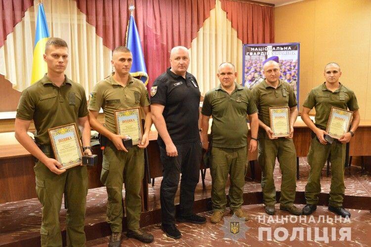 На Волині нагородили нацгвардійців, які затримали утікача з-під варти