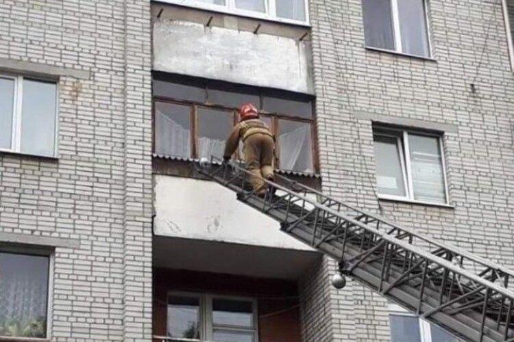 «Пролежала місяць». У Львові в квартирі знайшли тіло пенсіонерки