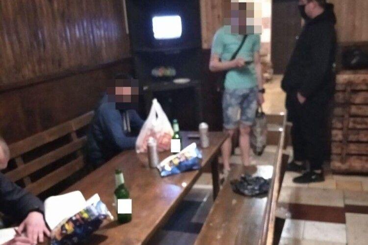Поліцейські Рівного викрили незаконну роботу лазень під час карантину