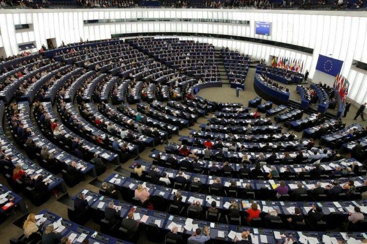 106 членів Європарламенту вимагають негайного запровадження санкцій проти Лукашенка